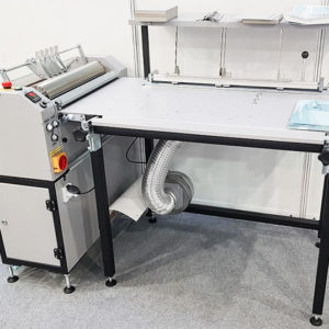 GM 520C-liimalaite asennuspöydällä